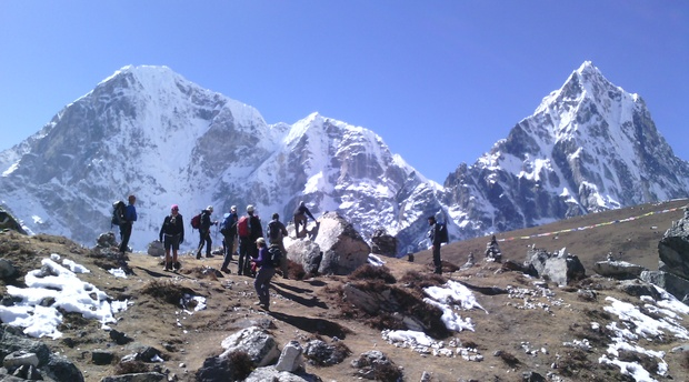 Trek to makalu base camp
